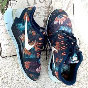 Nike flowers sneakers Sise 7